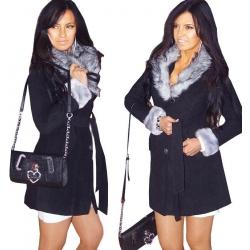 Manteau noir touché cachemire et fausse fourrure